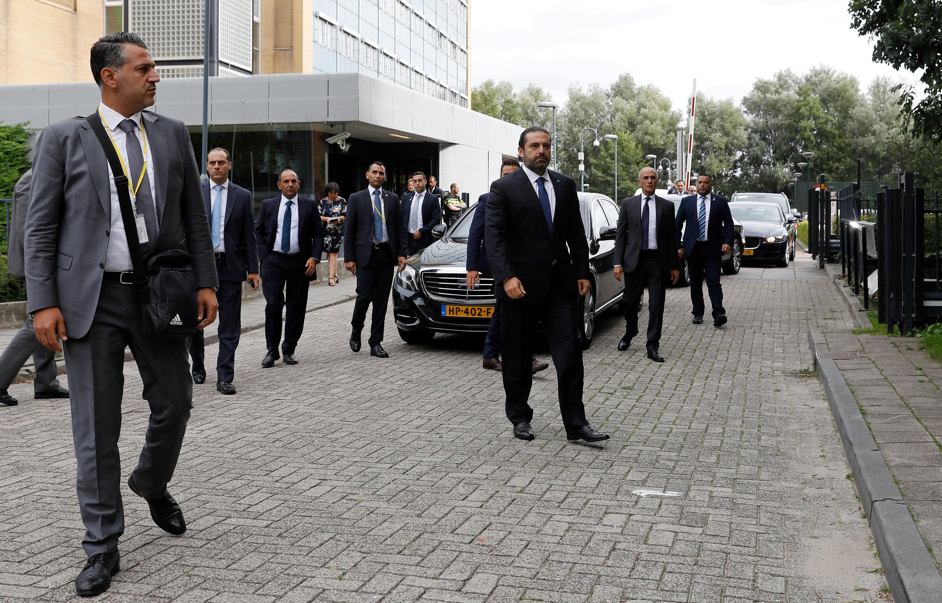 سعد الحريرى وسط حراسته
