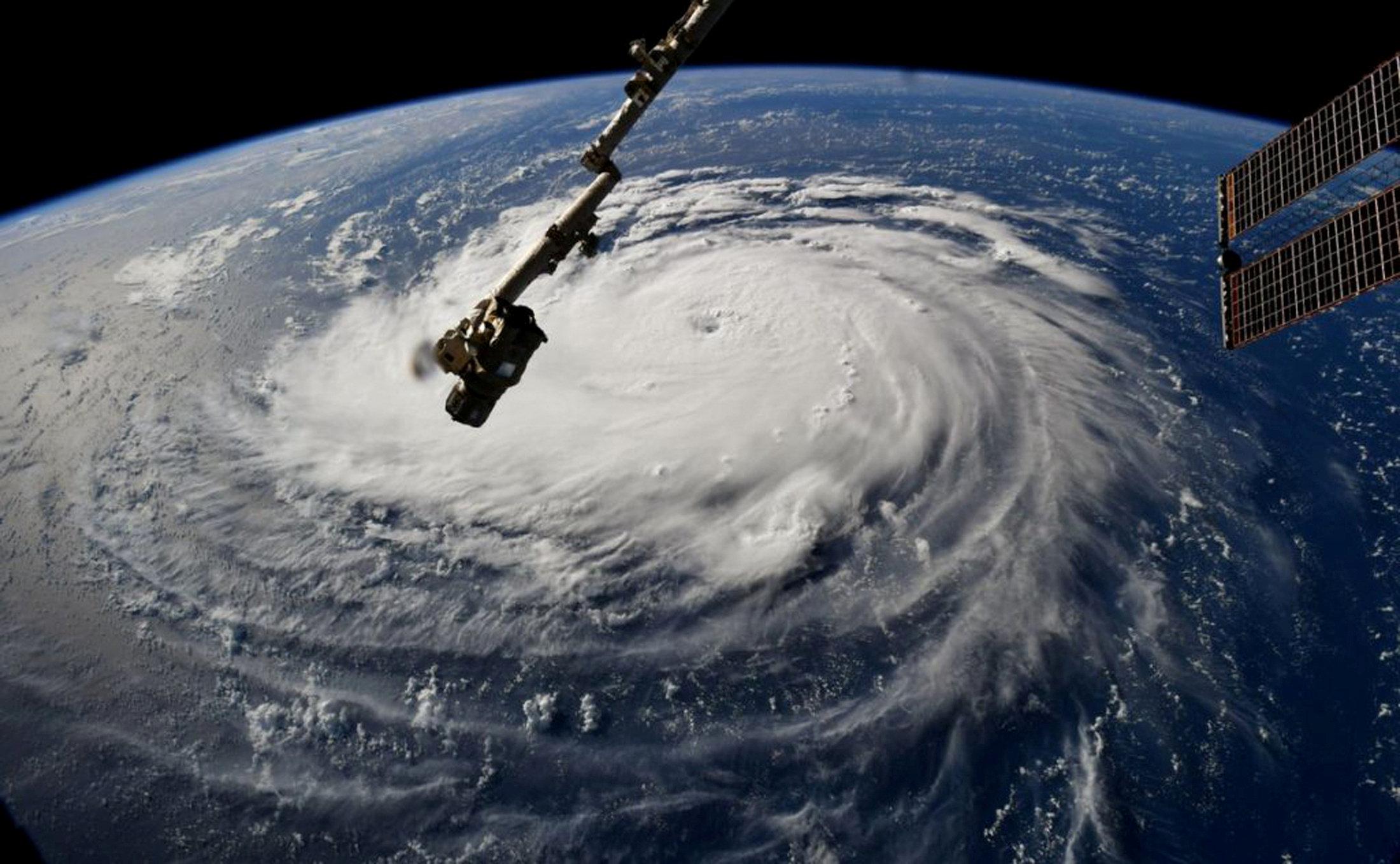 الإعصار فلورانس