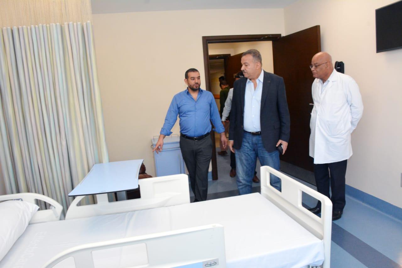 جانب من جولة الدكتور محمد العمارى بالمستشفي