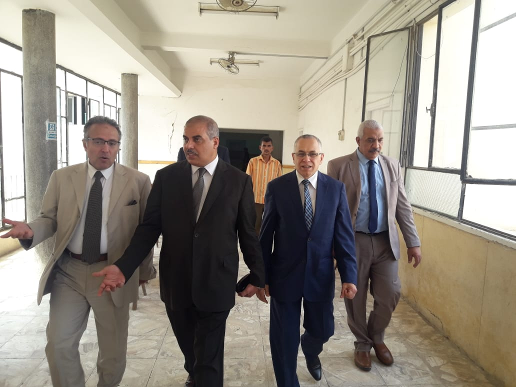 رئيس جامعة الأزهر يتفقد لجان امتحانات الدراسات العليا بكلية الطب (4)