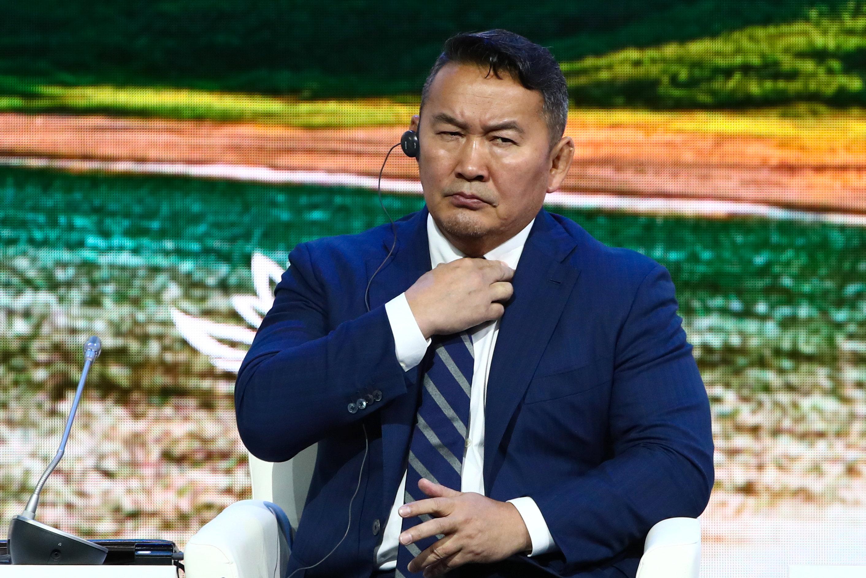 9 - رئيس منغوليا Khaltmaagiin Battulga يحضر المنتدى الاقتصادي الشرقي في فلاديفوستوك