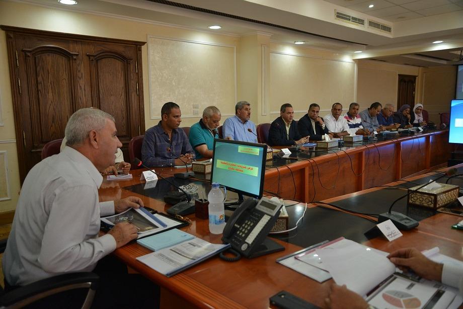 لقاء محافظ مطروح مع رؤساء المدن (3)