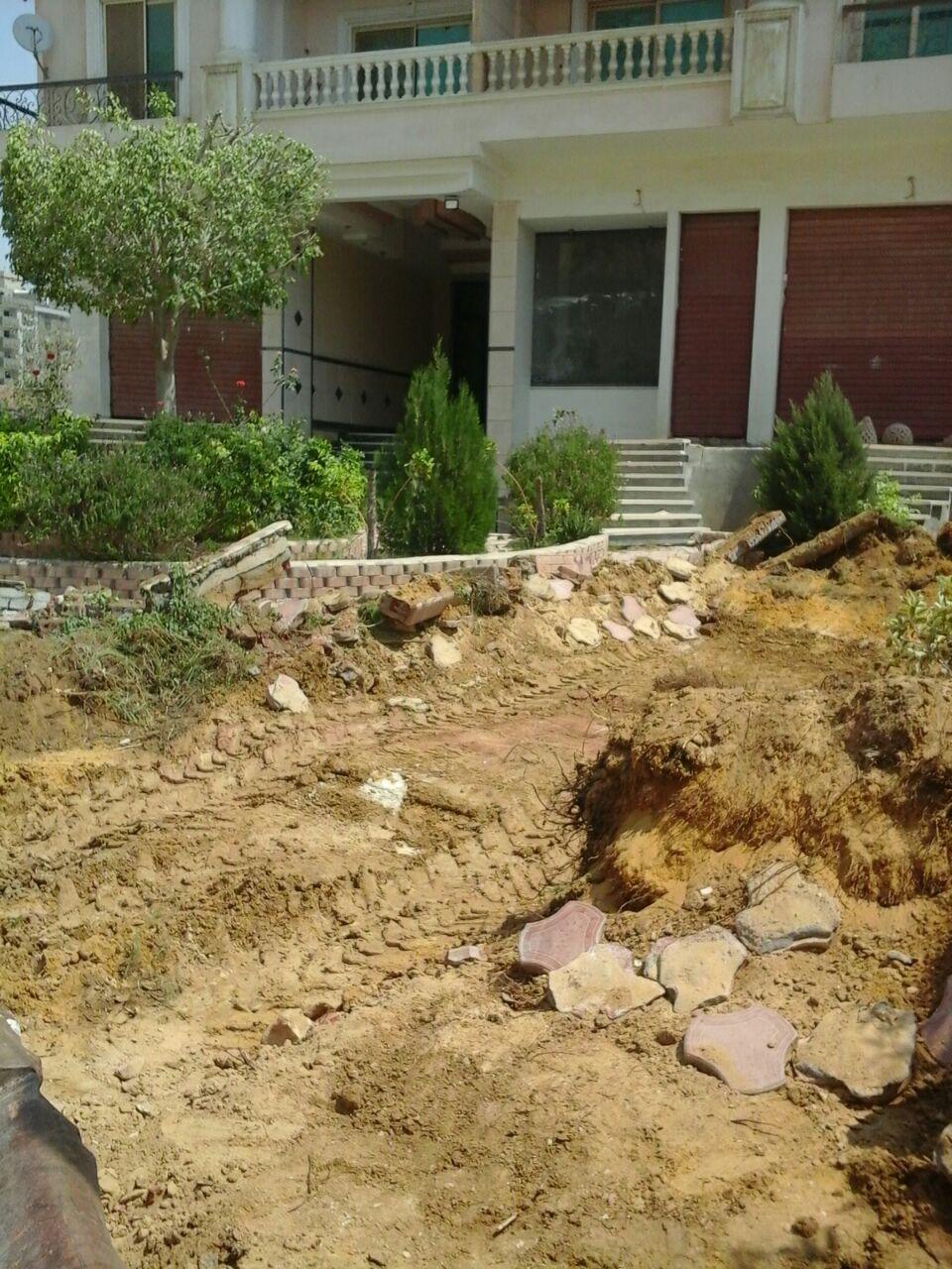 إزالة حديقة عقار عنوة ضد رغبة الملاك فى المقطم  (7)