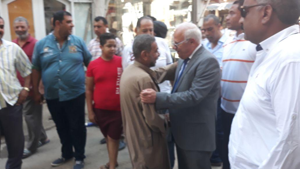 جولة محافظ بورسعيد في منطقة سوق البازار  (3)