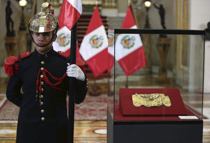 القناع بعد عودته إلى بيرو