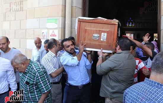 صور تشييع جنازة شقيقة حسن راتب  (9)