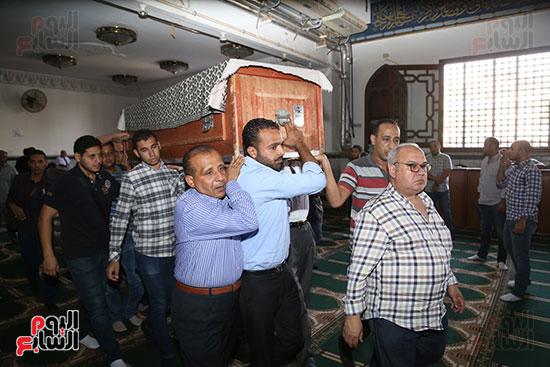 صور تشييع جنازة شقيقة حسن راتب  (7)