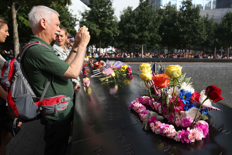 مواطنو أمريكا خلال إحياء الذكرى