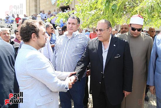 صور تشييع جنازة شقيقة حسن راتب  (14)