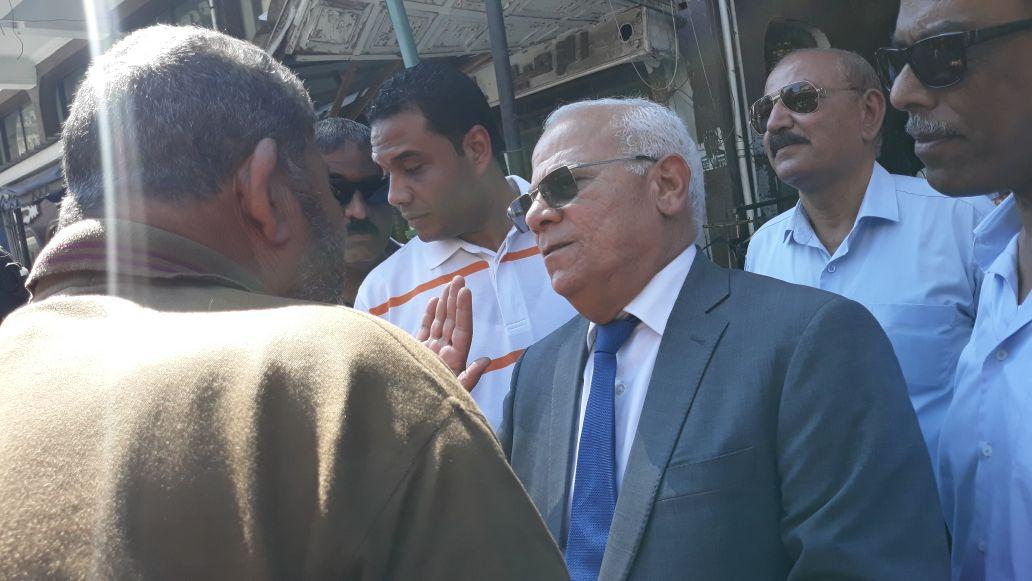 جولة محافظ بورسعيد في منطقة سوق البازار  (1)