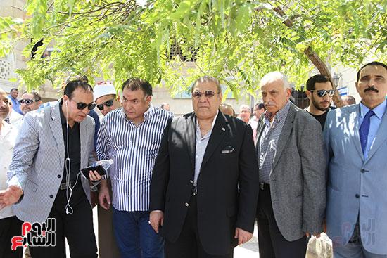 صور تشييع جنازة شقيقة حسن راتب  (13)