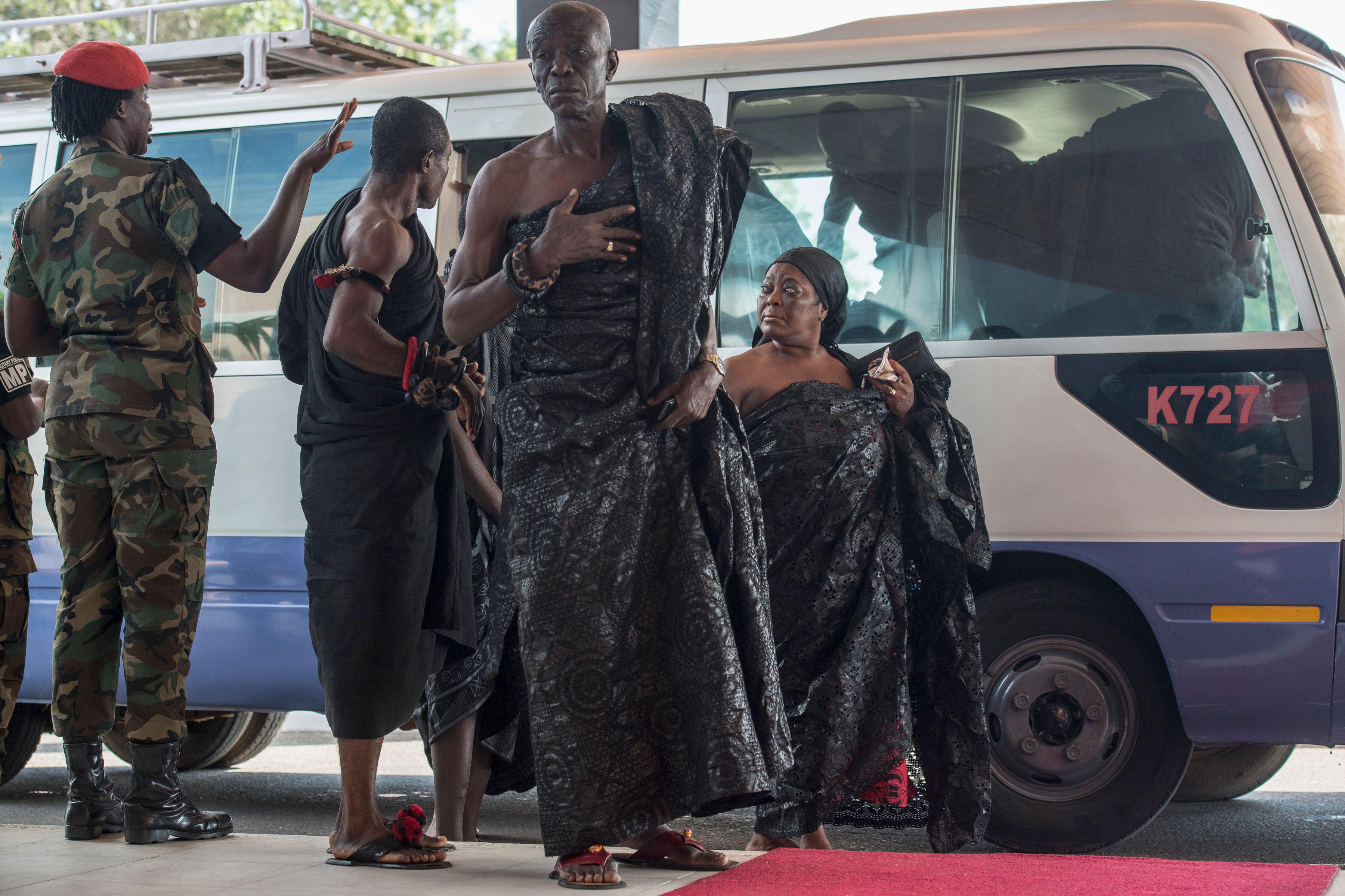 مواطنون غانيون يصلون لحضور مراسم دفن كوفى عنان
