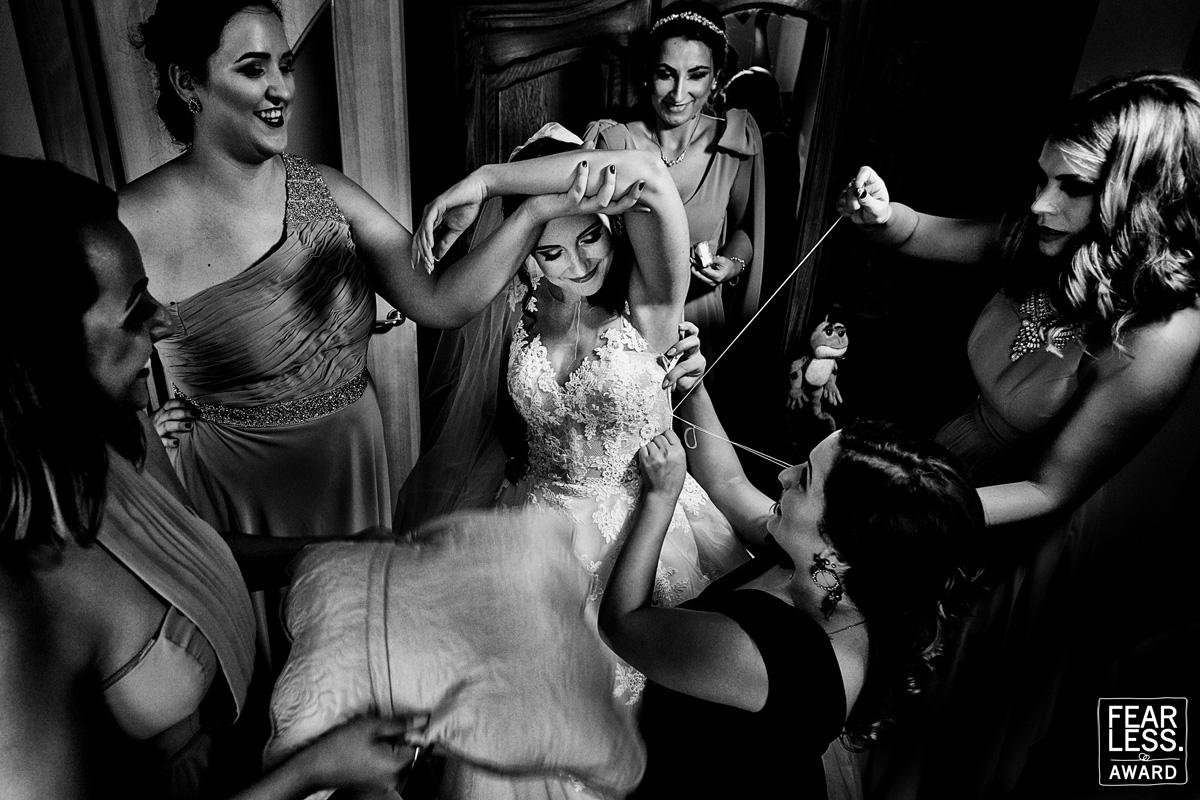 أجمل 50 صورة زفاف حائزة على جائزة  Fearless Awards (15)