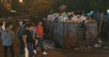تراكم القمامة داخل الصناديق بمحيط محطة سيدى جابر