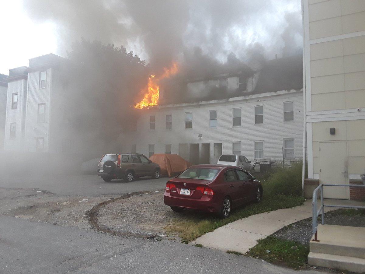 حرائق وانفجارات تهز بلدتين فى ولاية ماساتشوستس
