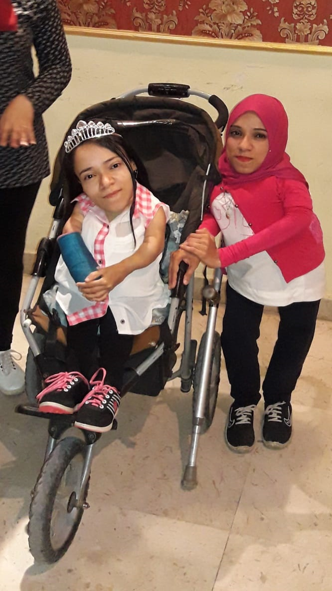 نجوى فتاة محت أميتها وحصلت على الليسانس رغم إعاقتها (3)