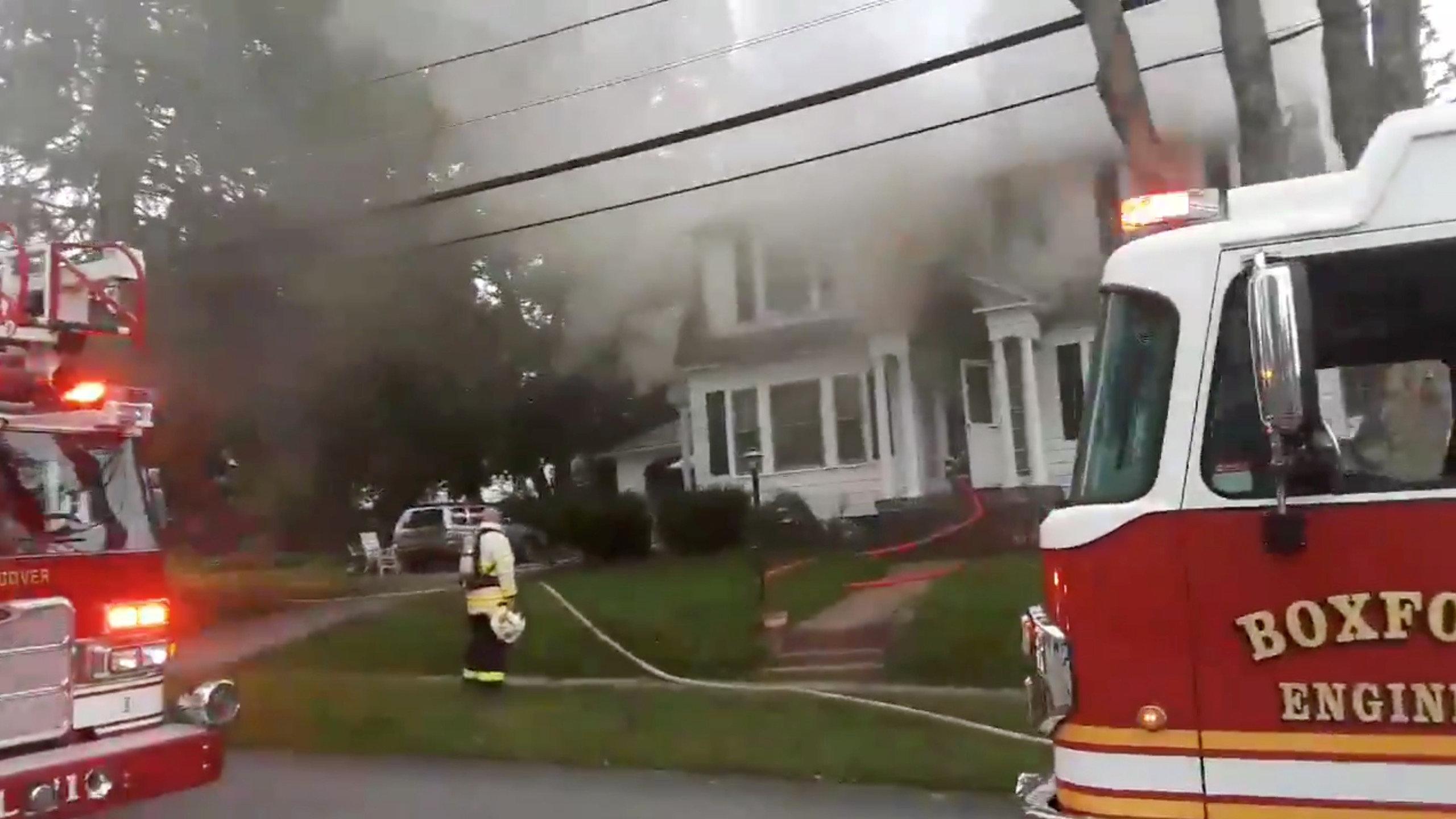رجال الإطفاء تهرع إلى المنازل