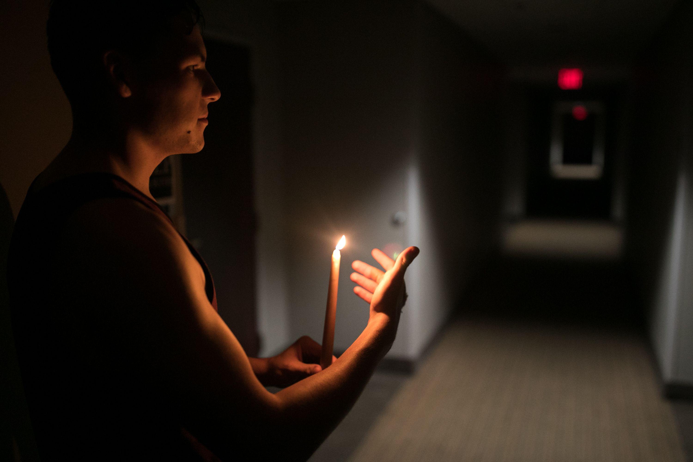 انقطاع الكهرباء عن الملايين