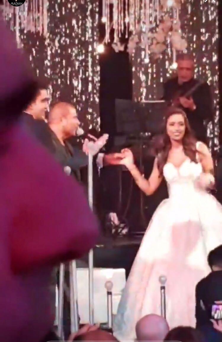 عمرو دياب والعروس