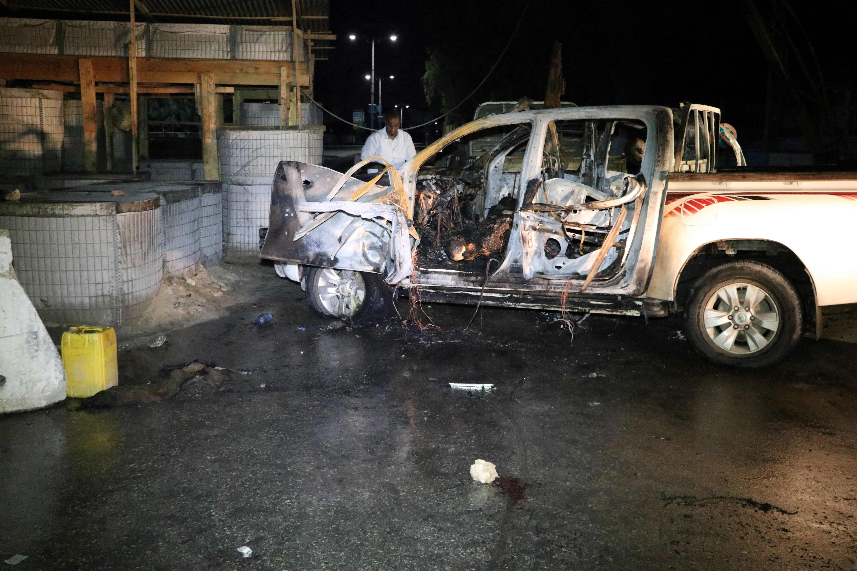 تحطم السيارة عقب الهجوم بقنبلة