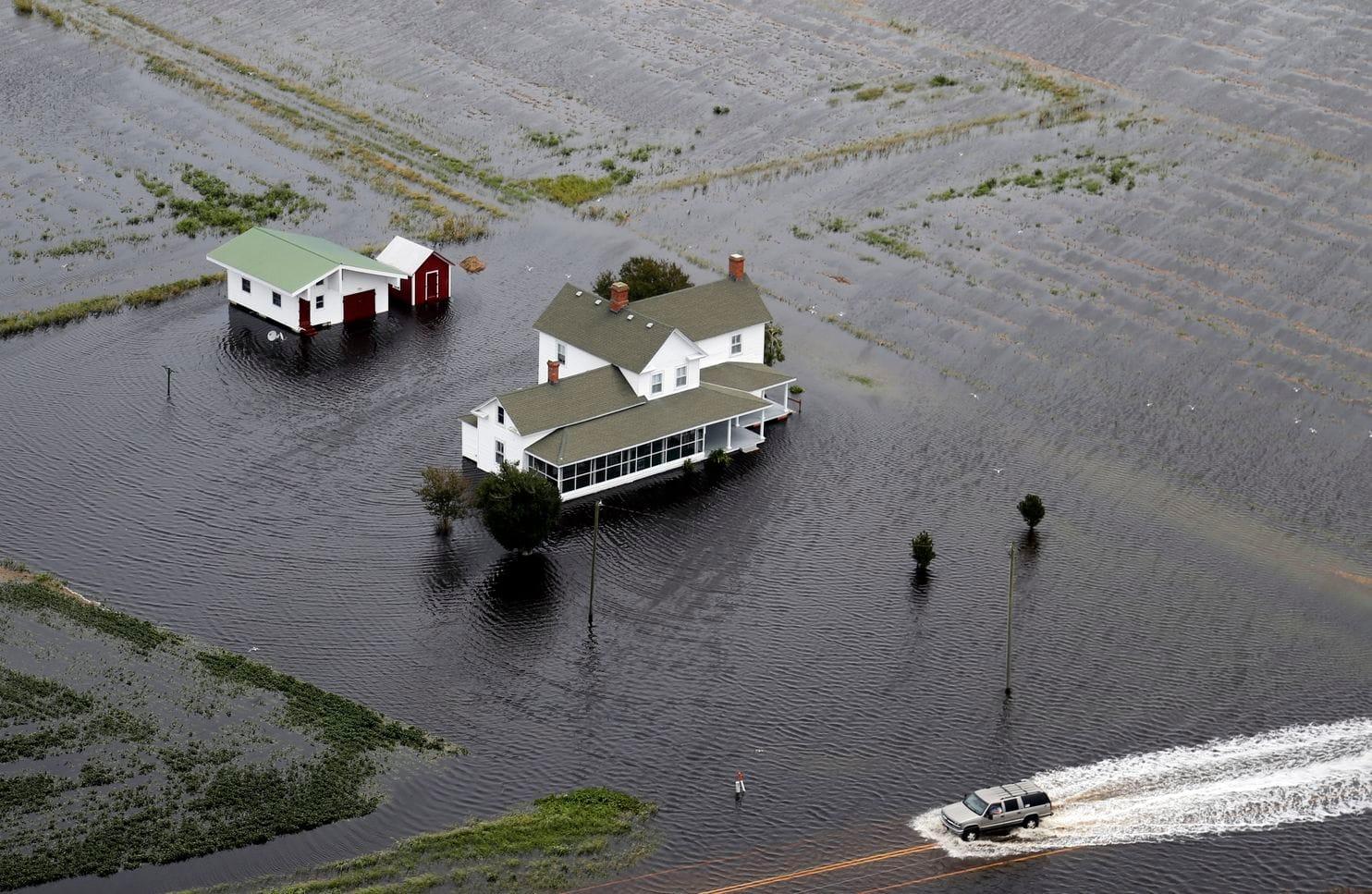 الفيضانات تهدد نورث كارولينا
