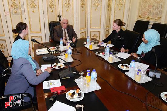 الدكتور أسامة العبد رئيس اللجنة الدينية بالبرلمان والوفد الدنماركى (5)
