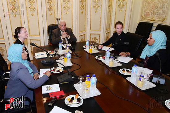 الدكتور أسامة العبد رئيس اللجنة الدينية بالبرلمان والوفد الدنماركى (4)
