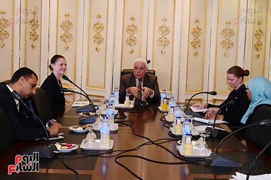 الدكتور أسامة العبد رئيس اللجنة الدينية بالبرلمان والوفد الدنماركى (1)