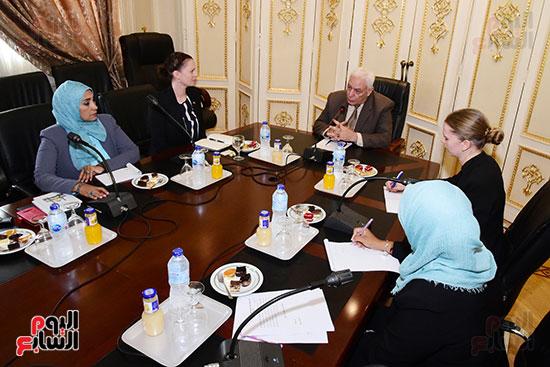 الدكتور أسامة العبد رئيس اللجنة الدينية بالبرلمان والوفد الدنماركى (2)