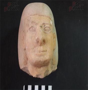 لعثور-على-تابوت-حجرى-بداخله-مومياء-(1)
