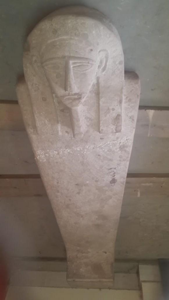 لعثور على تابوت حجرى بداخله مومياء (2)