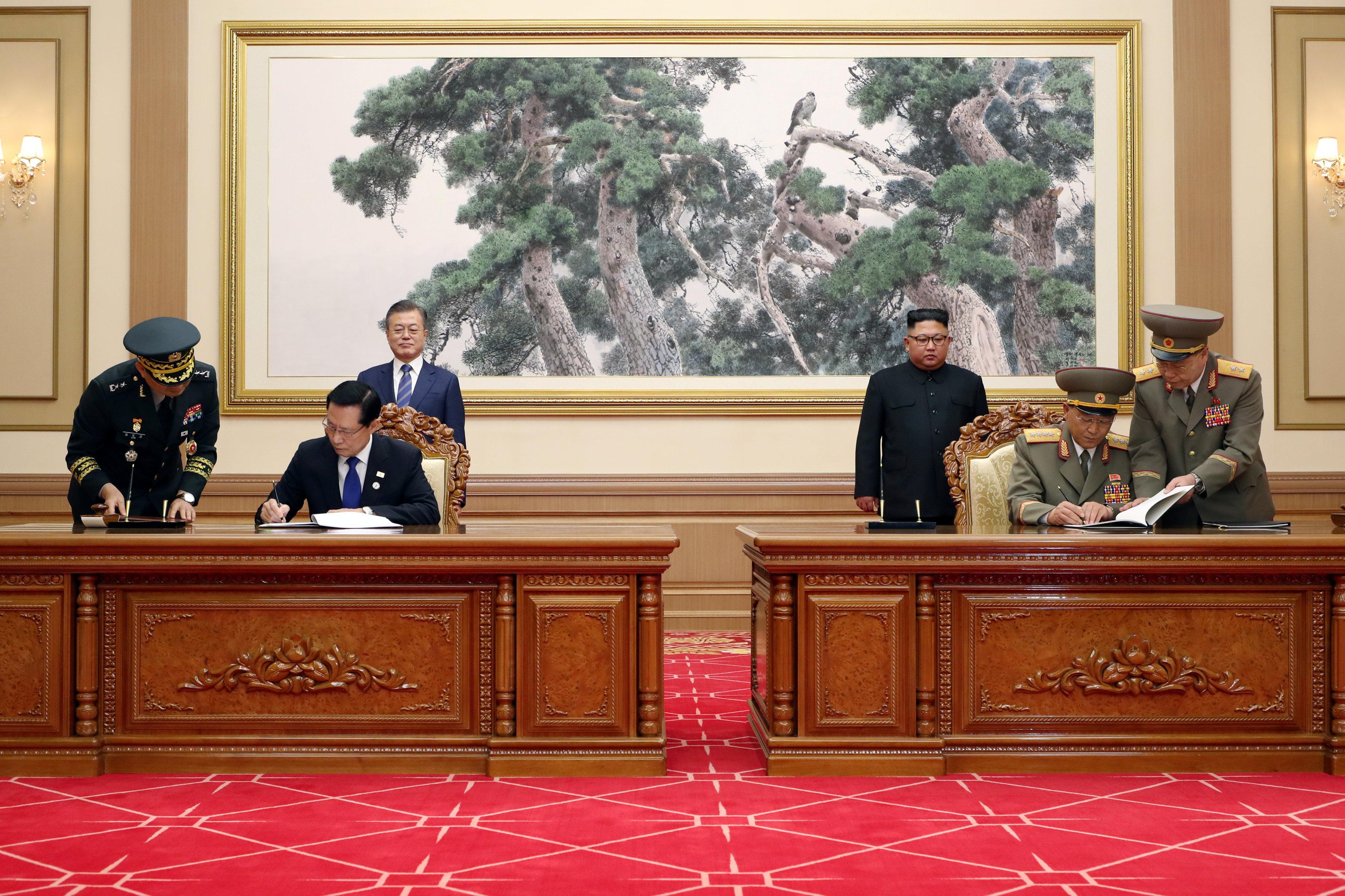 وزيرا دفاع الكوريتين يوقعان على اتفاقية