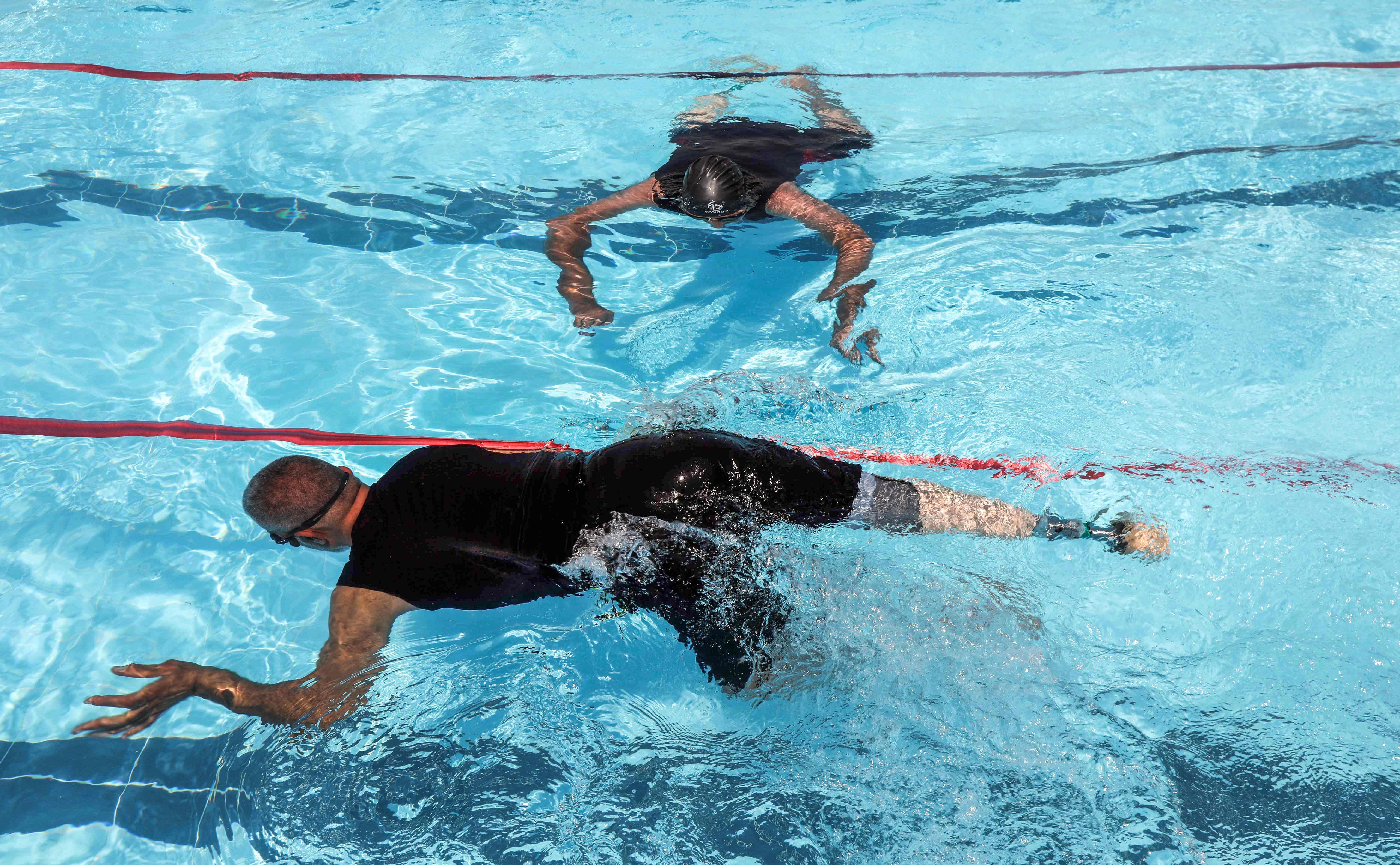 جانب من سباحة متحدى الإعاقة بالعراق