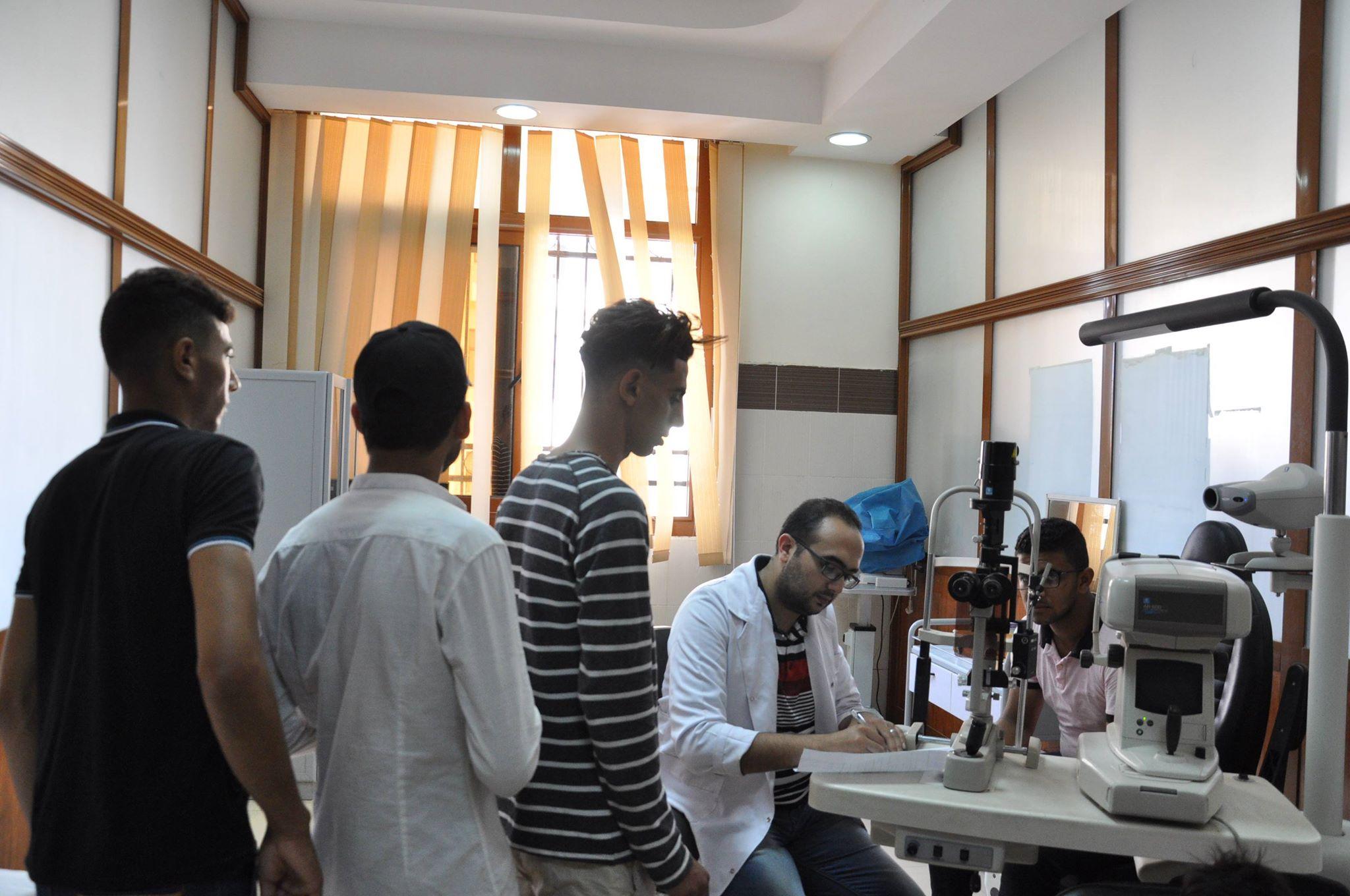 1-             اجراء الكشف الطبي على الطلاب