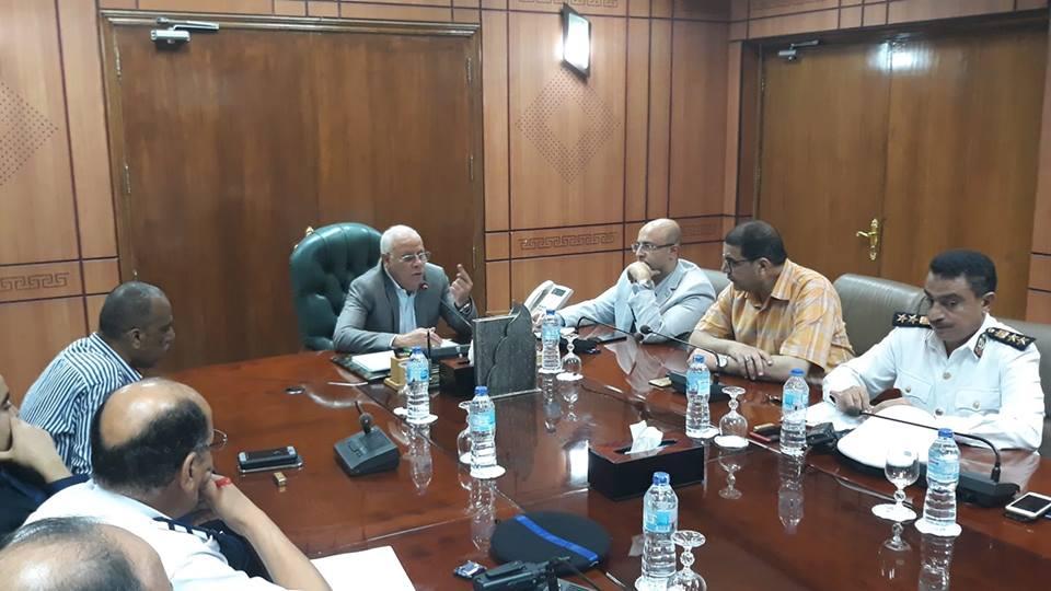 اللواء عادل الغضبان محافظ بورسعيد ونائبة الدكتور محمد غنيم