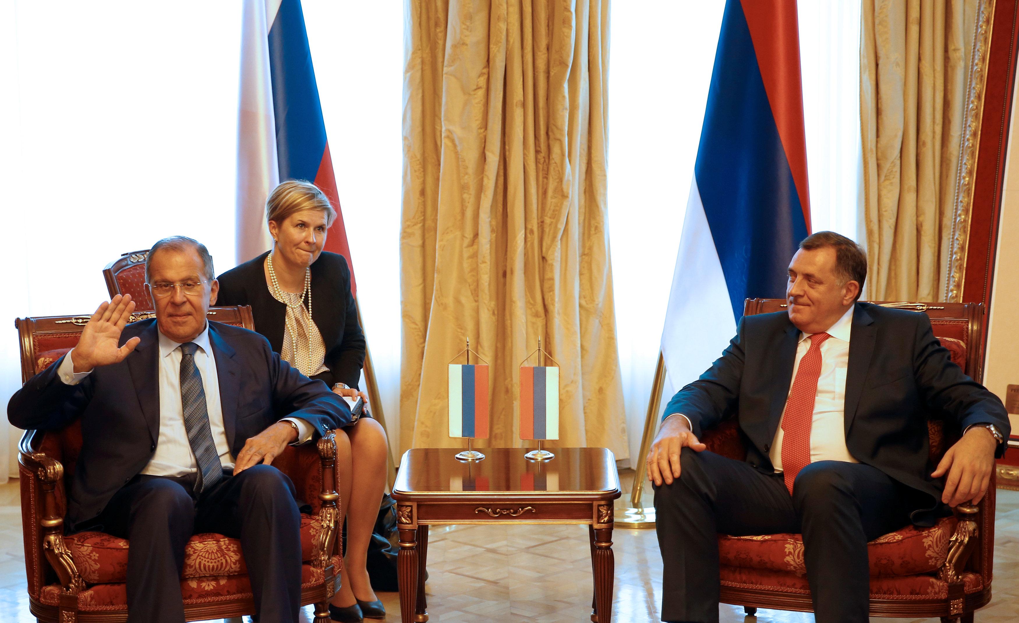 وزير الخارجية الروسى وميلوراد دوديك رئيس جمهورية البوسنة، يحضران اجتماعا فى بانيا لوكا بالبوسنة والهرسك