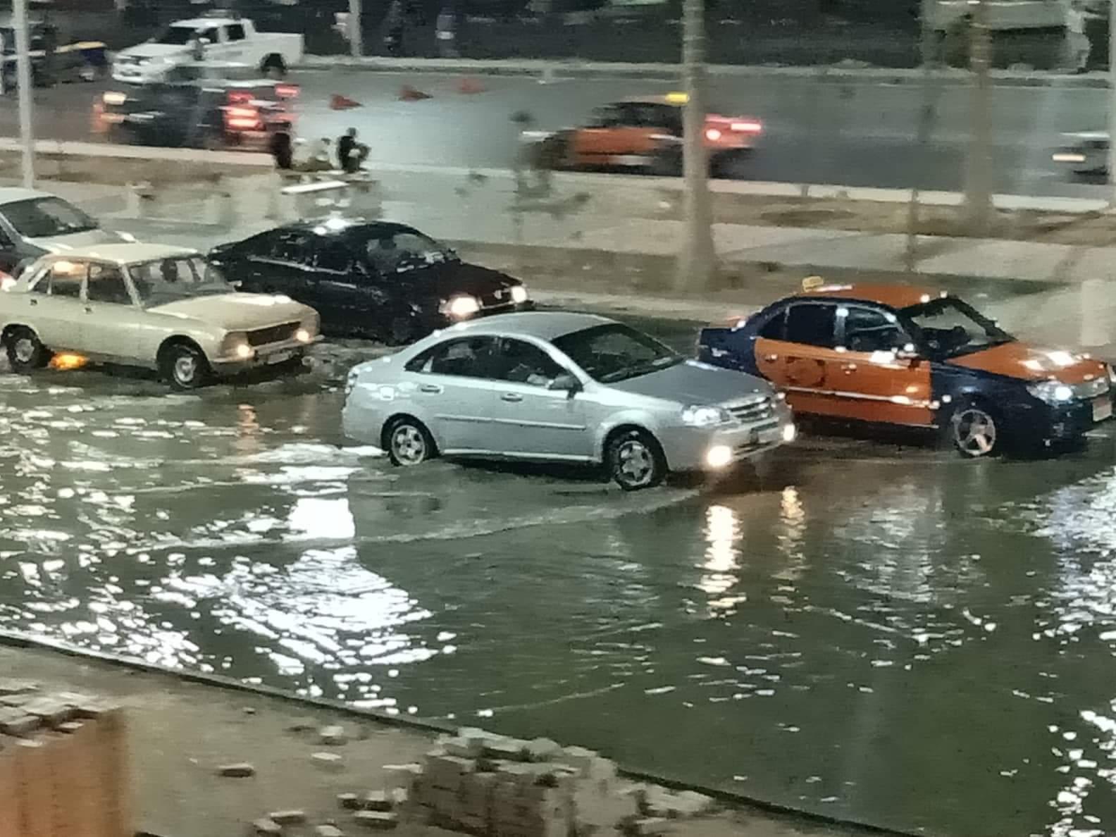 صور ..غرق أكبر شوارع الغردقة واهمها في مياة ا (8)