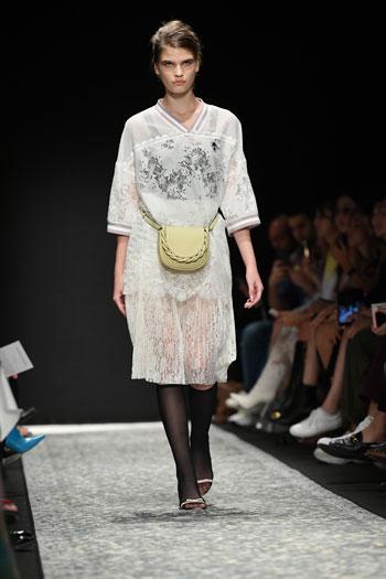 صور أسبوع الموضة فى ميلانو (12)