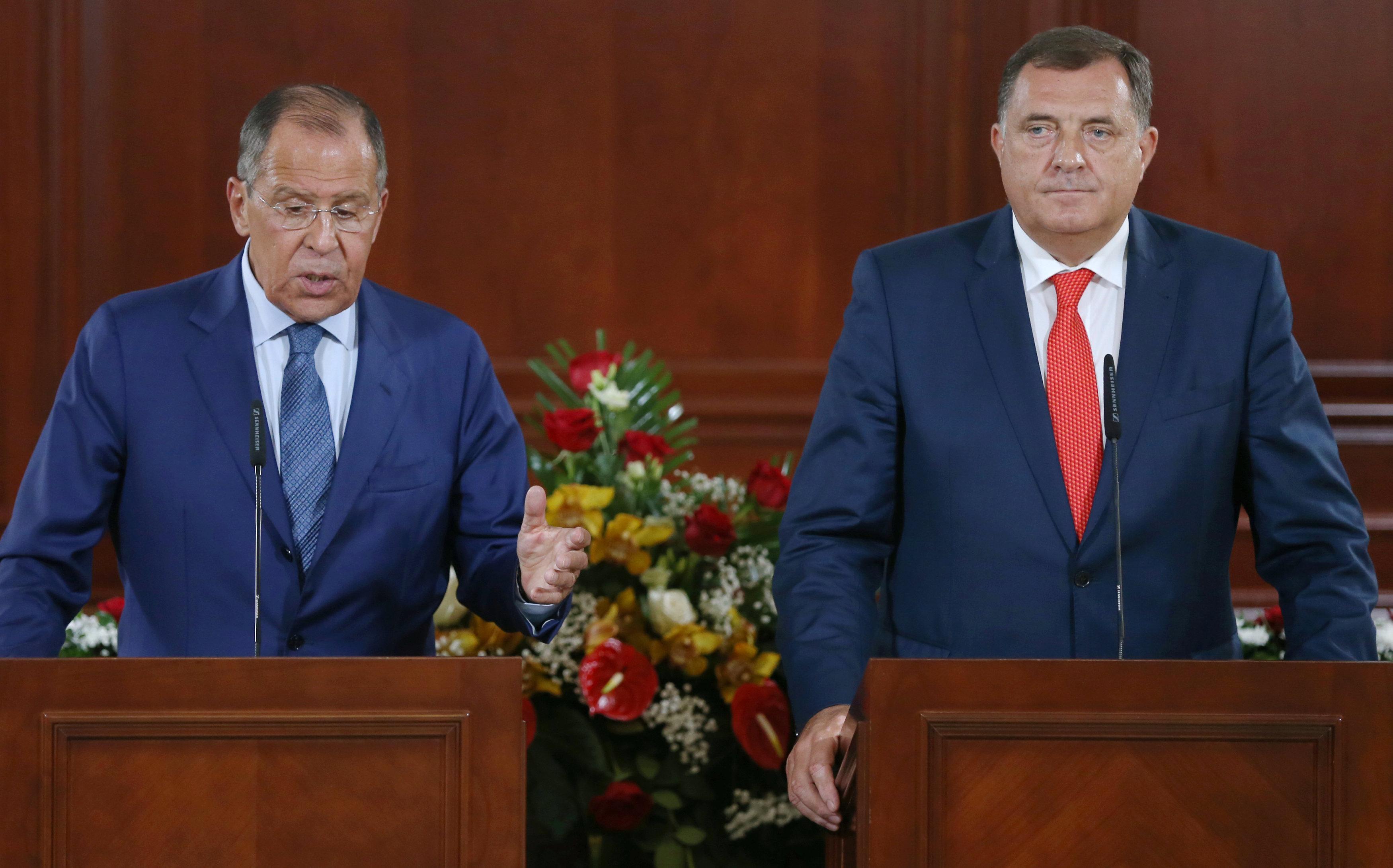 مؤتمر صحفى لوزير خارجية روسيا ورئيس جمهورية البوسنة