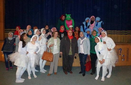 مسرح كلية رياض أطفال (1)