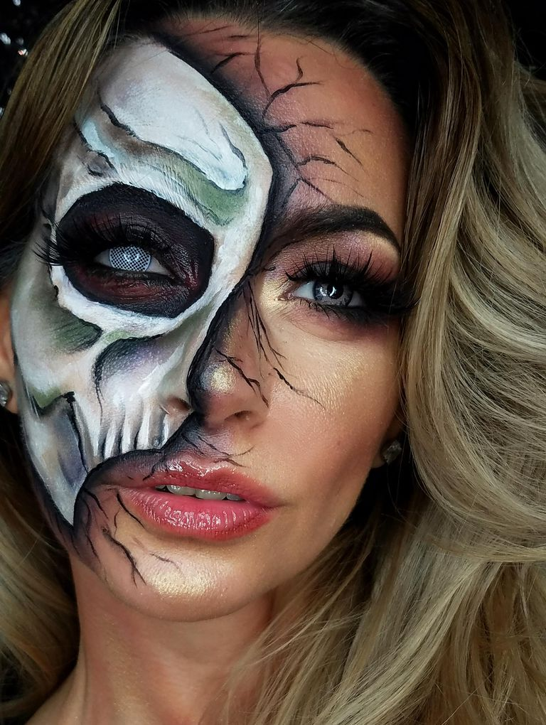 half-face-halloween-makeup-tutorial-1537559056
