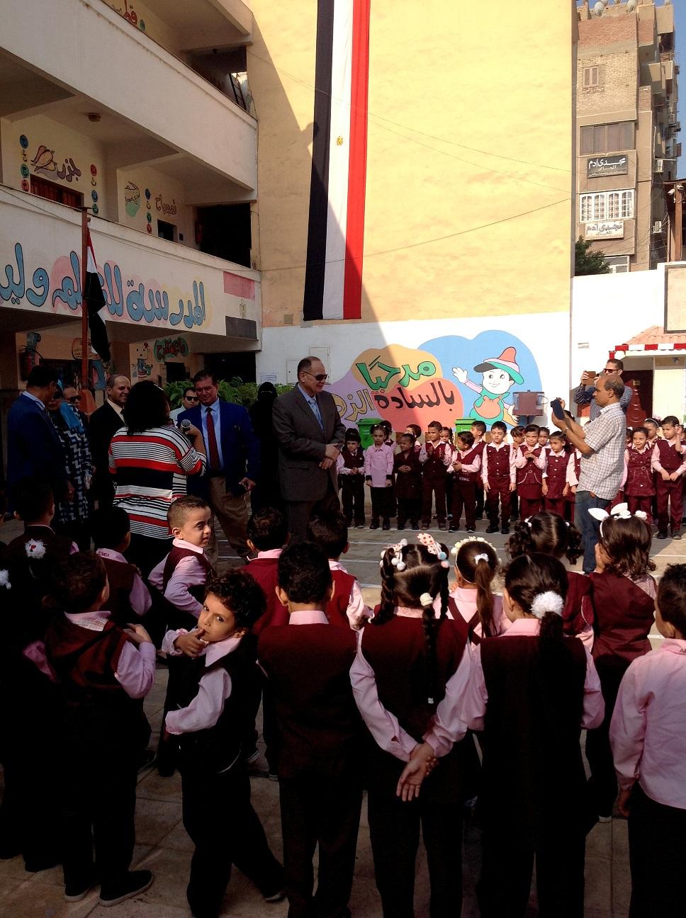 محافظ الفيوم والقيادات التعليمية يتفقدون المدارس (3)