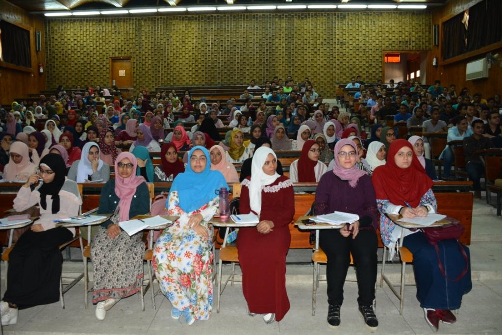 رئيس جامعة أسيوط (2)