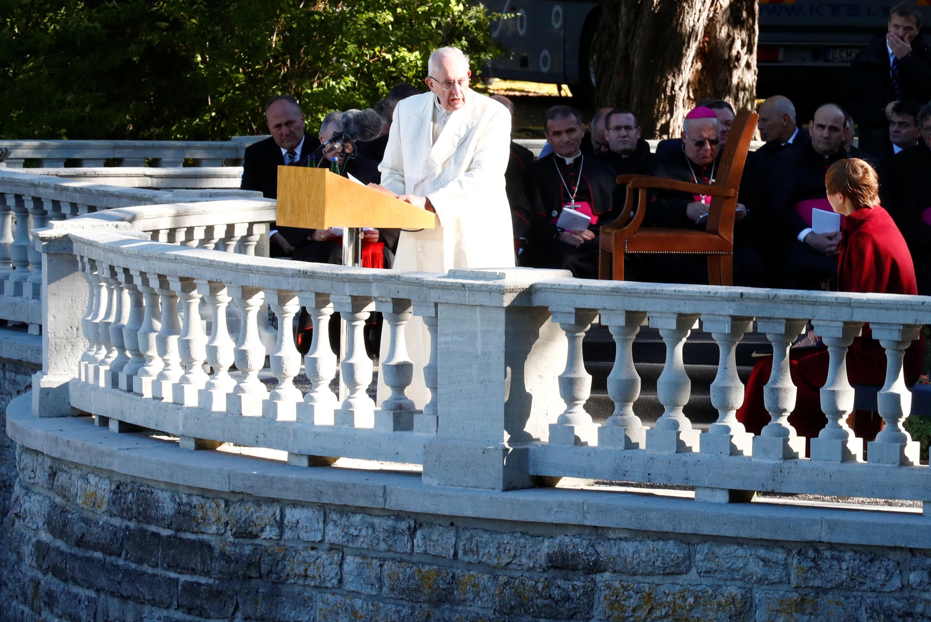 البابا فرنسيس يلقى كلمته