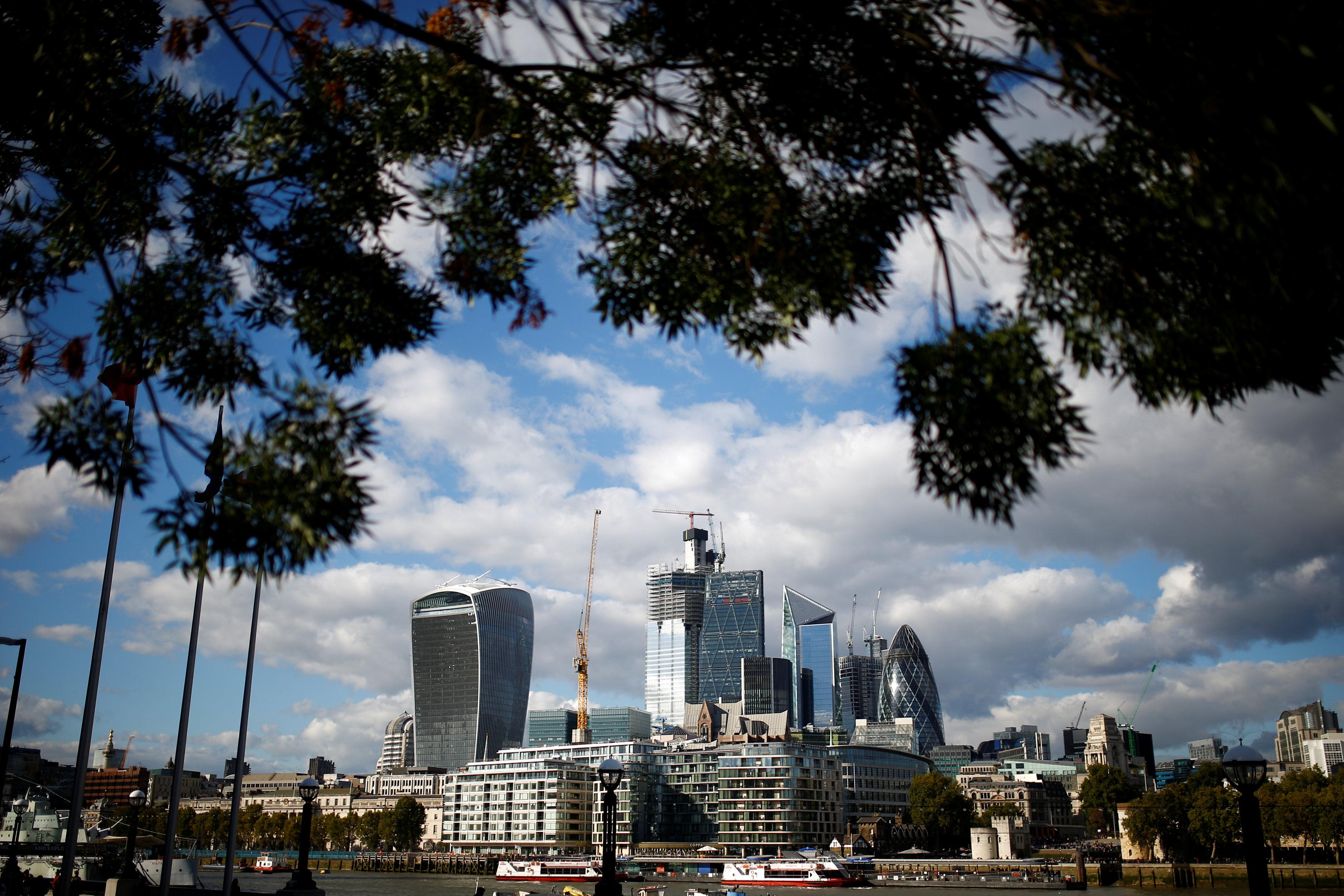 ناطحات السحاب فى لندن