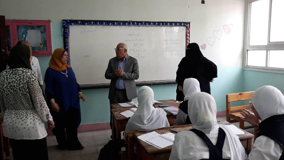 محافظ بورسعيد يتفقد مدارس حى الزهور (9)