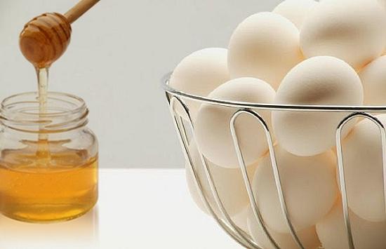 العسل والبيض