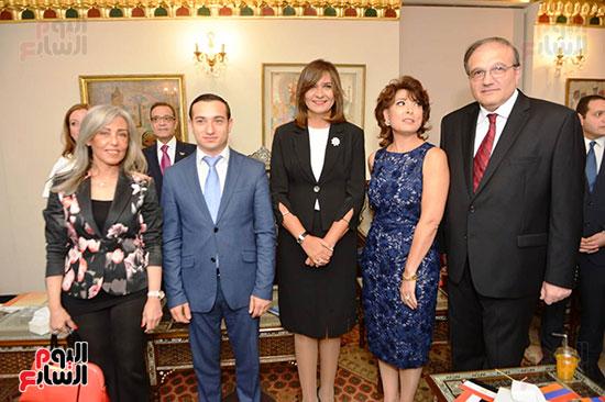 أبناء الجالية الأرمينية  (4)