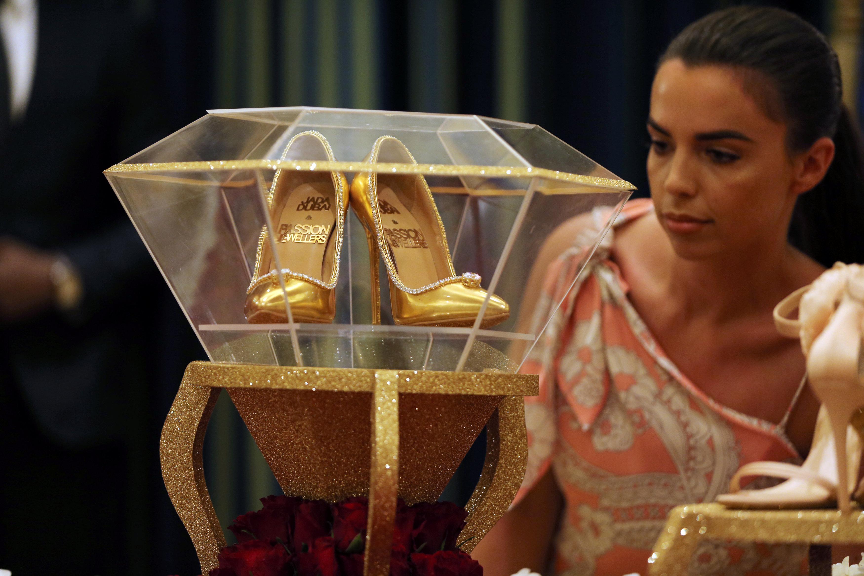 صور أغلى حذاء فى العالم (7)