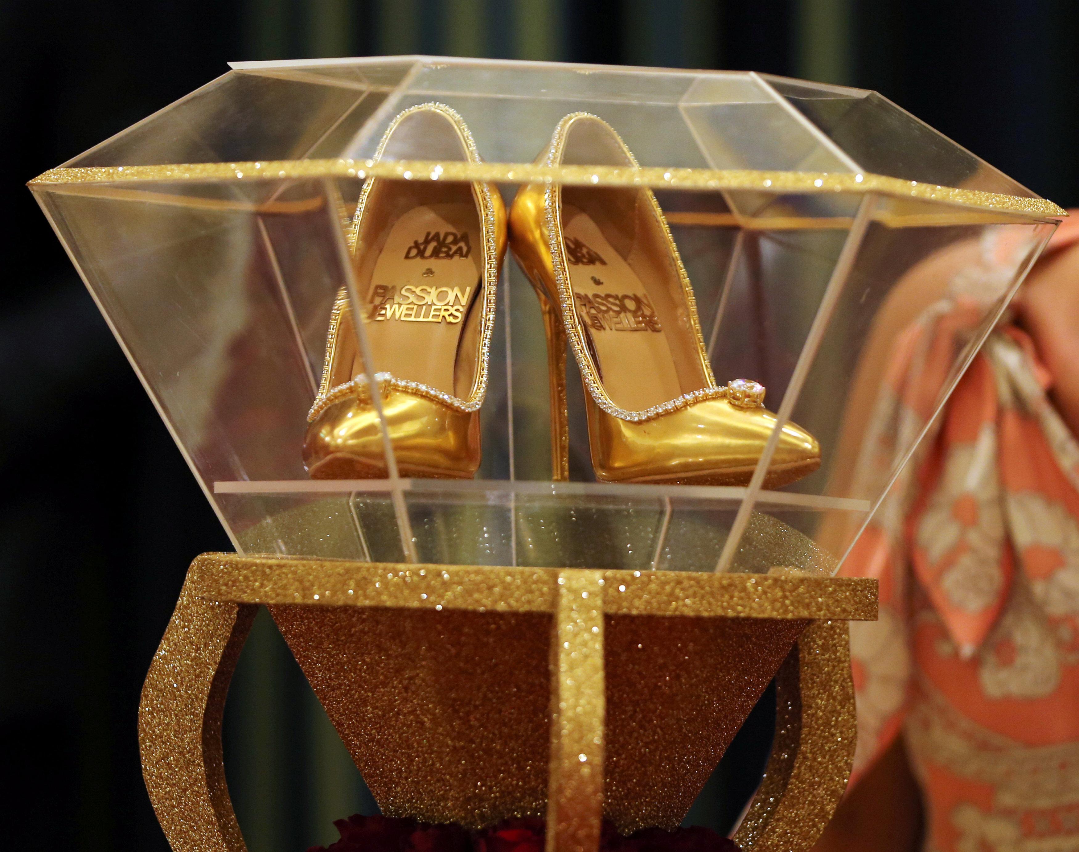 صور أغلى حذاء فى العالم (8)